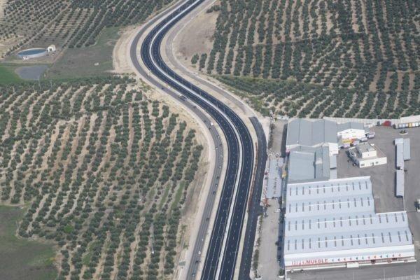 Tramo de autovía del Olivar
